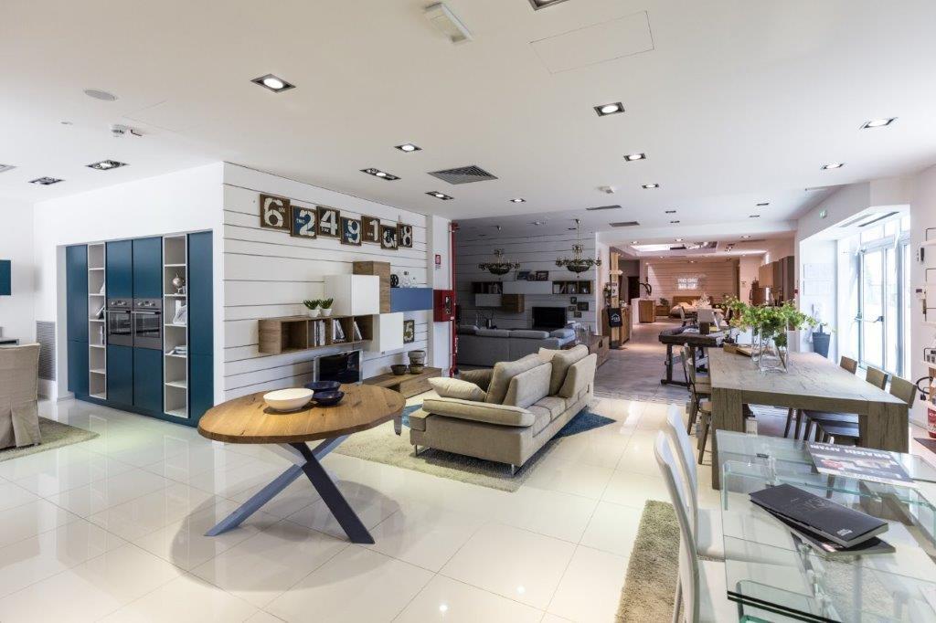 Centro Veneto Del Mobile Brescia ~ Idee Creative su Design Per La ...